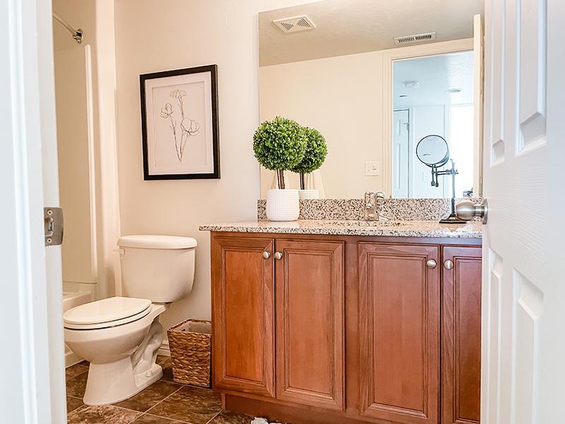 Bathroom | Settlers Landing