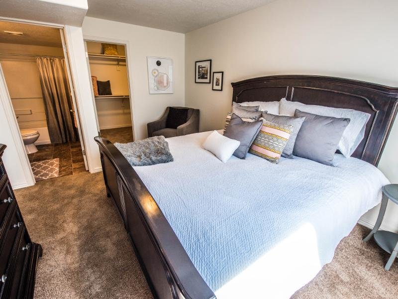 Bedroom, Closet and Bathroom | Settlers Landing