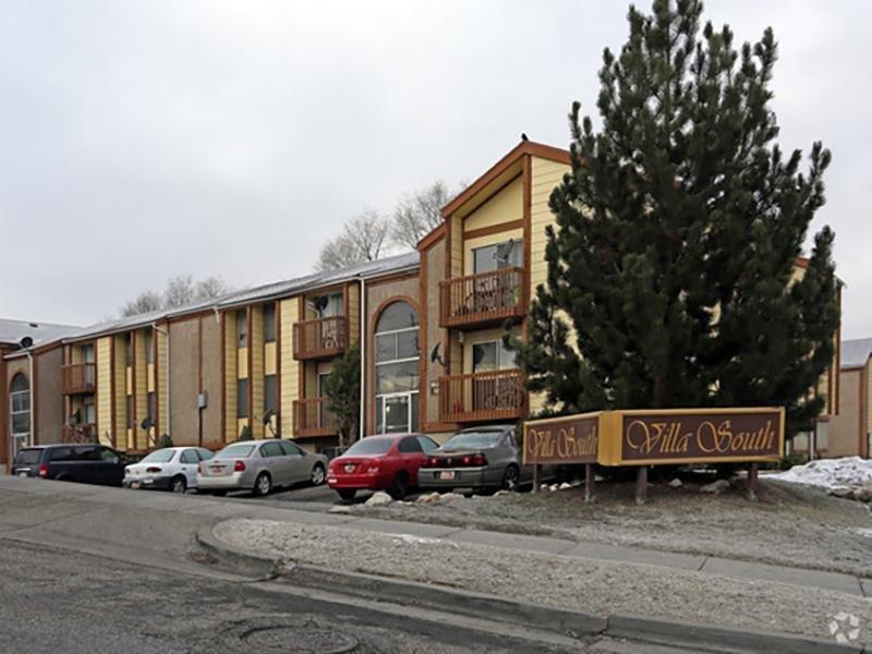 Building Exterior | Villa South