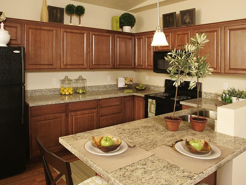 Kitchen - Dining Area - Riverwalk