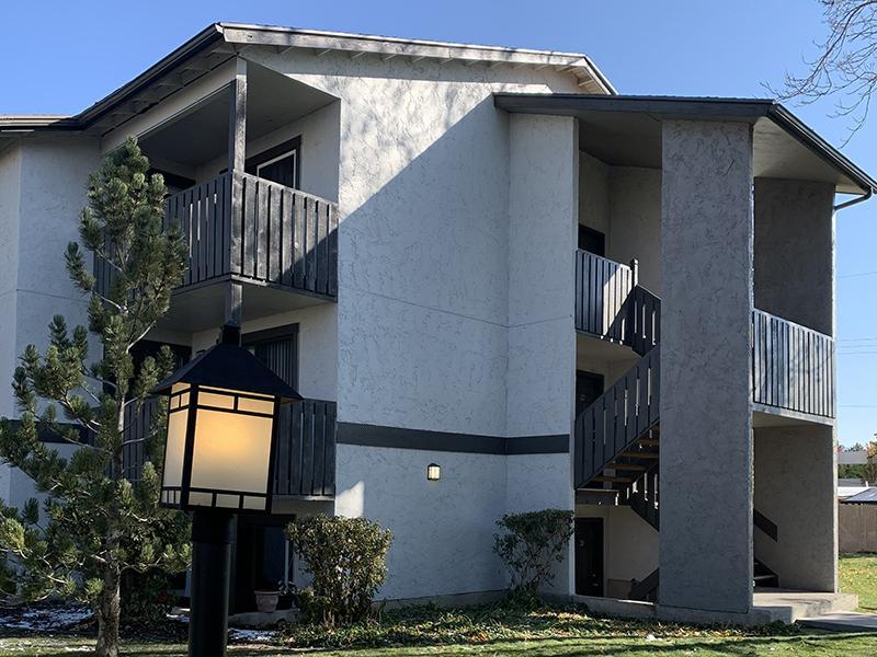 Exterior | Elmwood Apartments