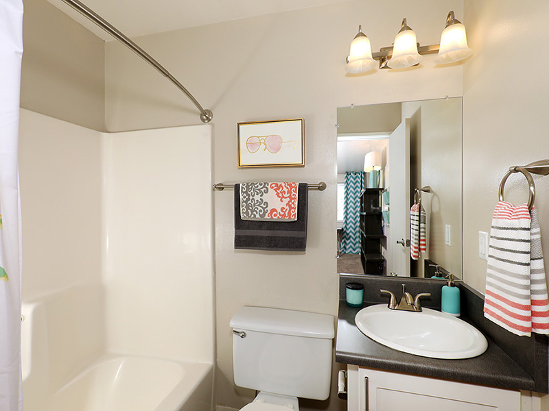Bathroom   47Seventy Settler's Point