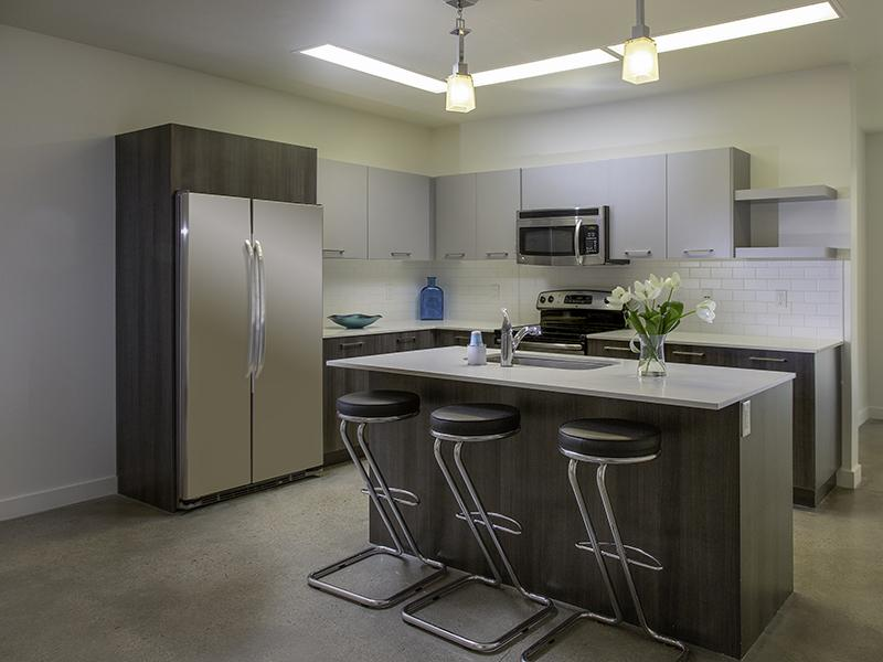 Kitchen | 21 and View Apartments