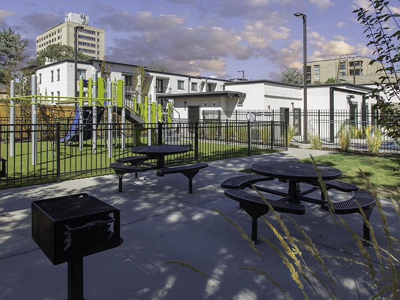 Picnic Area | Haxton Apartments