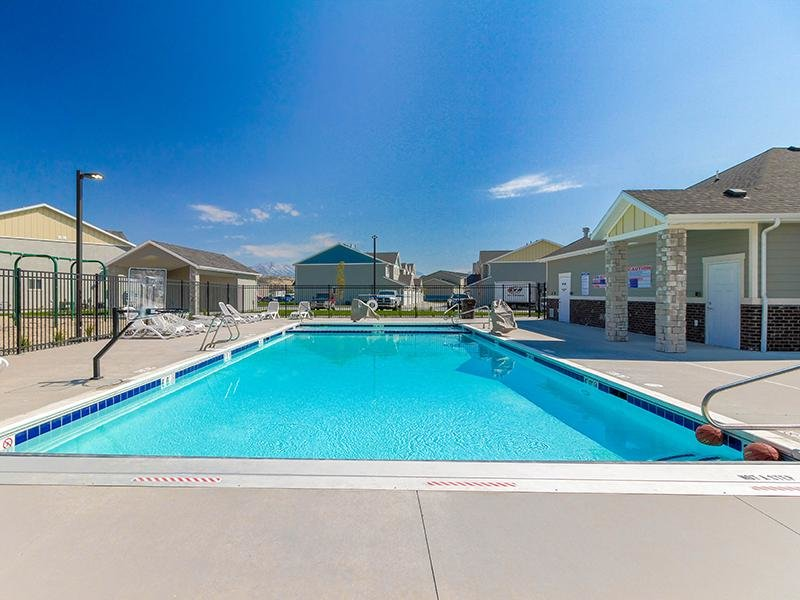 Swimming Pool| Porter Ranch Townhomes