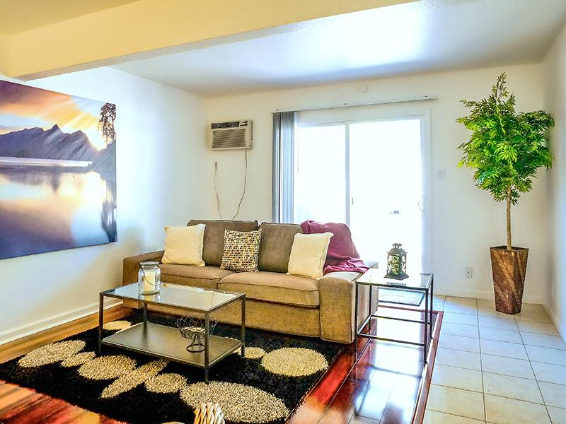 Family Room - Apartments in Pleasant Hill, CA