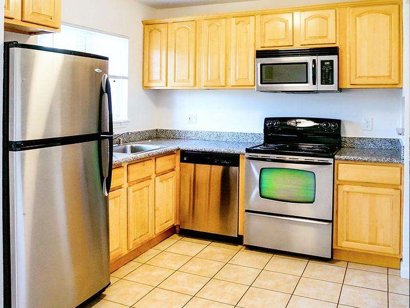 Fully Equipped Kitchen Apartments in Pleasant Hill