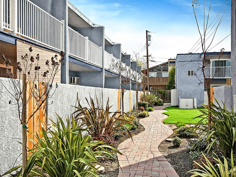Walkway - Apartments in Pleasant Hill, CA