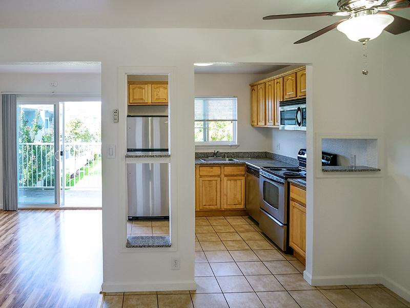 Kitchen - Sun Valley Apartments in Pleasant Hill