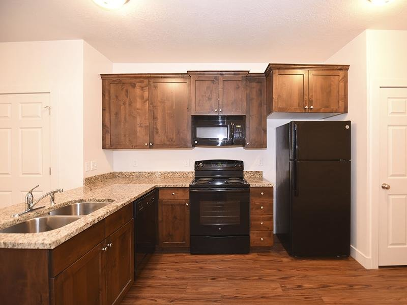 Kitchen | Pine Cove apartments