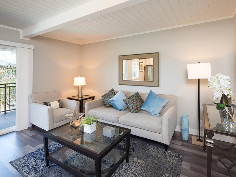 Living Room | Aloha Apartments