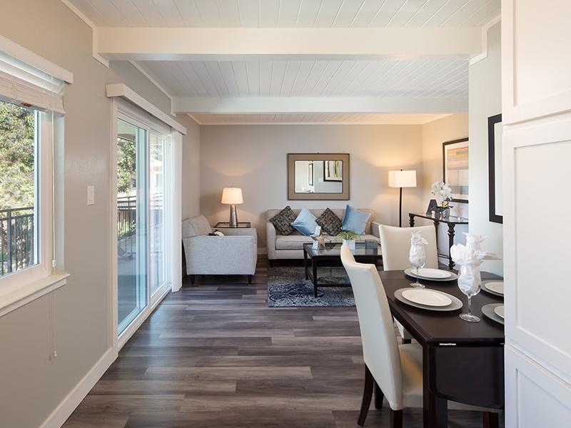 Dining Room | Balcony | Aloha Apartments