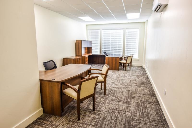 Private Executive Suites | Grovecrest Center