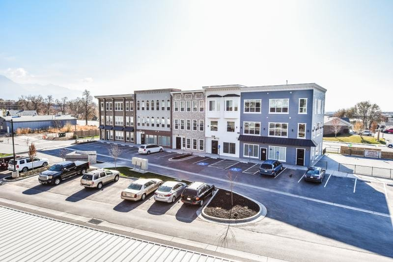 Executive Office space for lease | Grovecrest Center