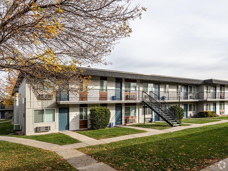 Apartment Exterior   Landing Point Apartments in Salt Lake City