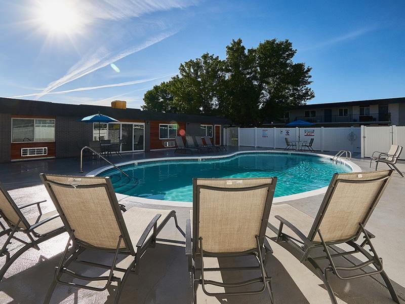Pool | Landing Point Apartments