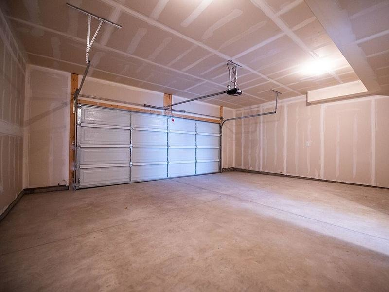 Garage | Leads Calla Homes