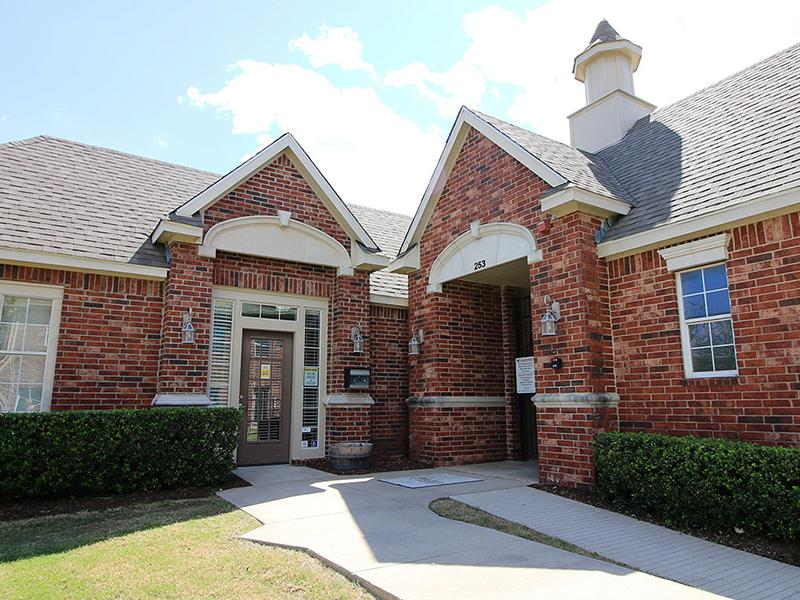 Leasing Office | Estates of Coppell
