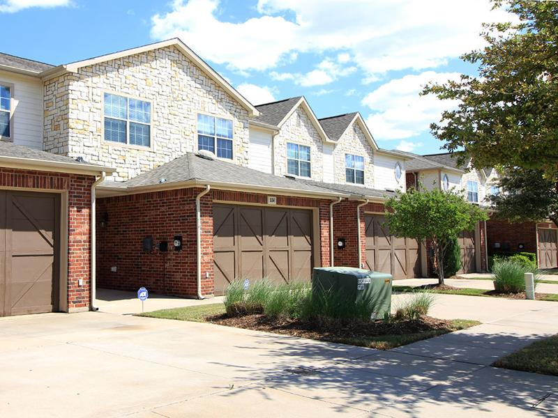 Garages | Estates of Coppell