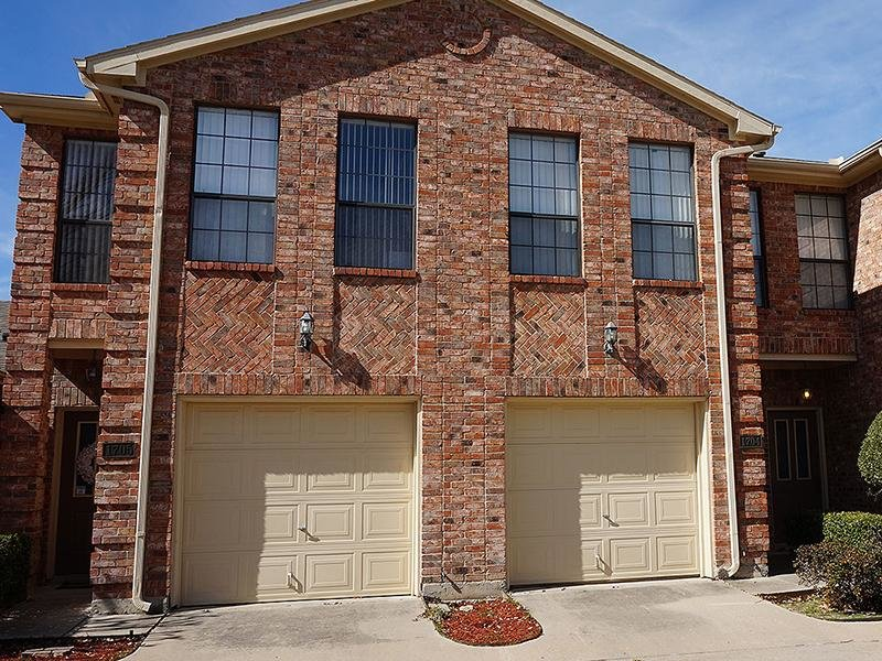 Garages | Shiloh Park Townhomes