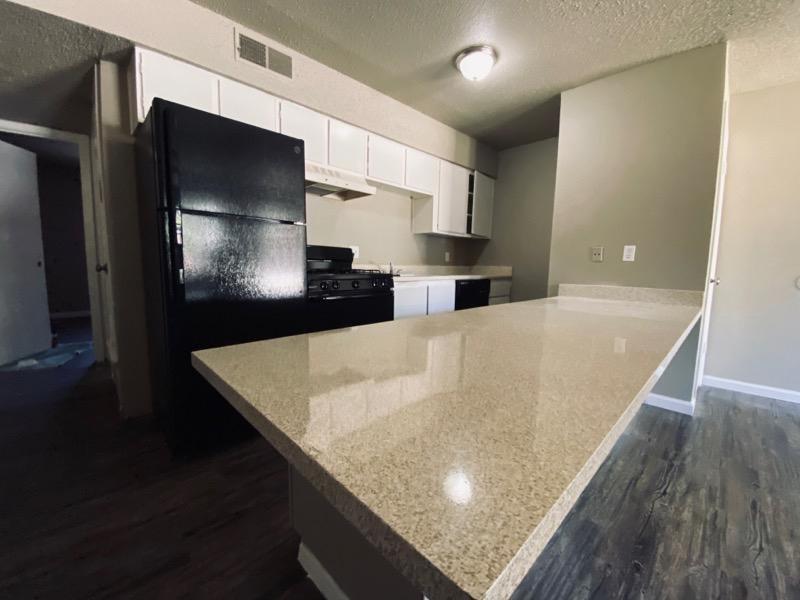 Kitchen | Cedar Ridge Apartments in Amarillo, TX