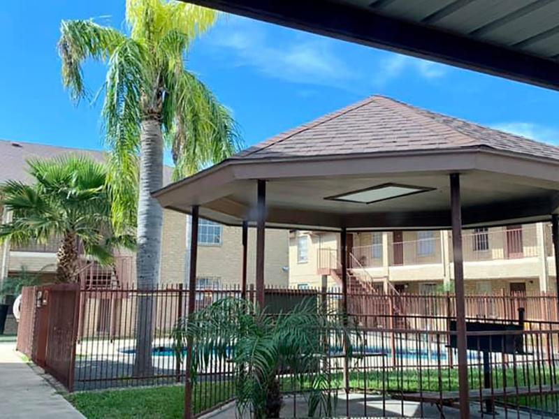 Gazebo | Dove Cove Apartments