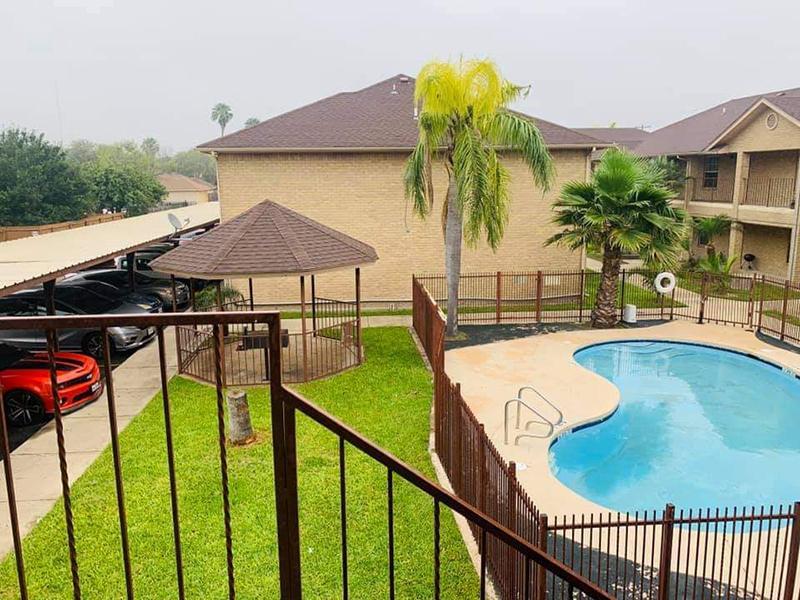 Swimming Pool | Dove Cove Apartments
