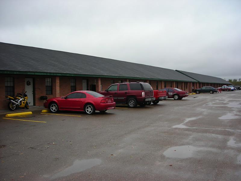 Parking Lot | Sugar North Apartments