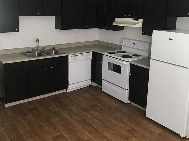 Fully Equipped Kitchen | Mulberry Park Apartments in Taylorsville, UT