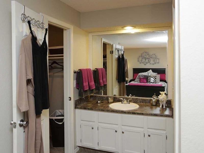 Master Bathroom - Apartments in Kansas City