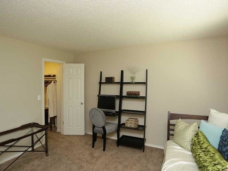 Bedroom - Walk in Closets - Three Fountains