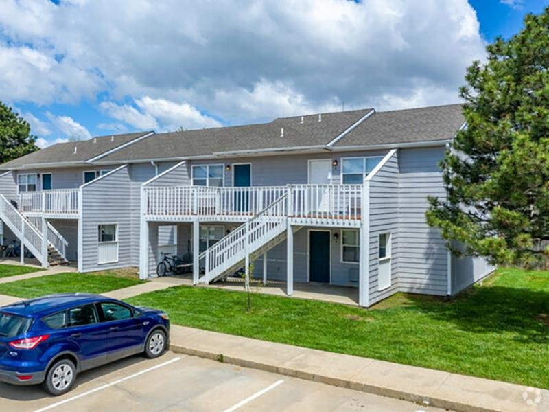 Building Exterior  | Eagle Ridge Apartments