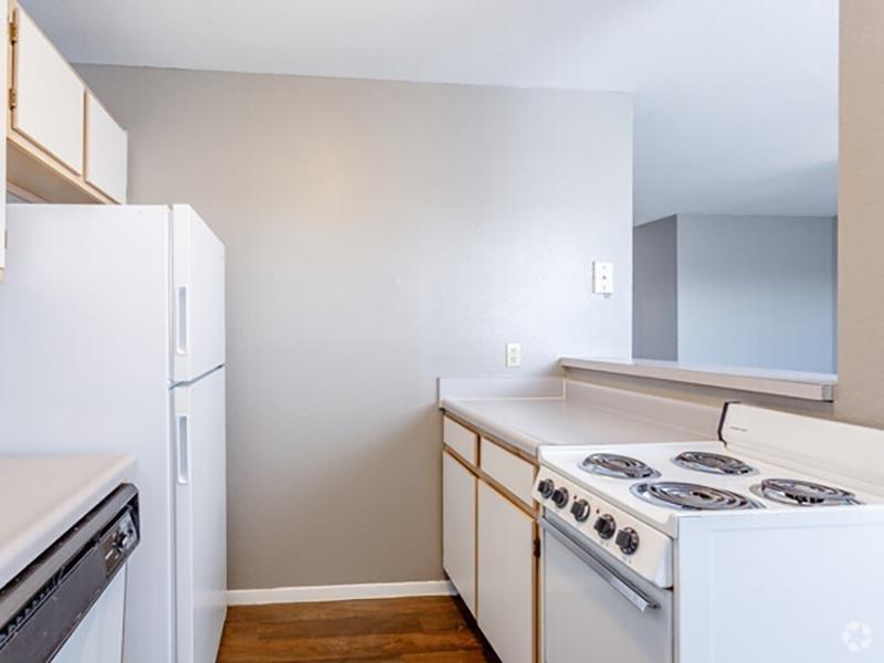 Kitchen   Eagle Ridge Apartments