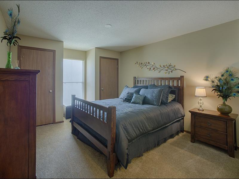 Bedroom | 1 Bedroom Apartments in Merriam, KS