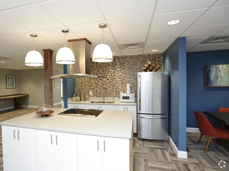 Clubhouse Kitchen | Country Club on 6th Apartments