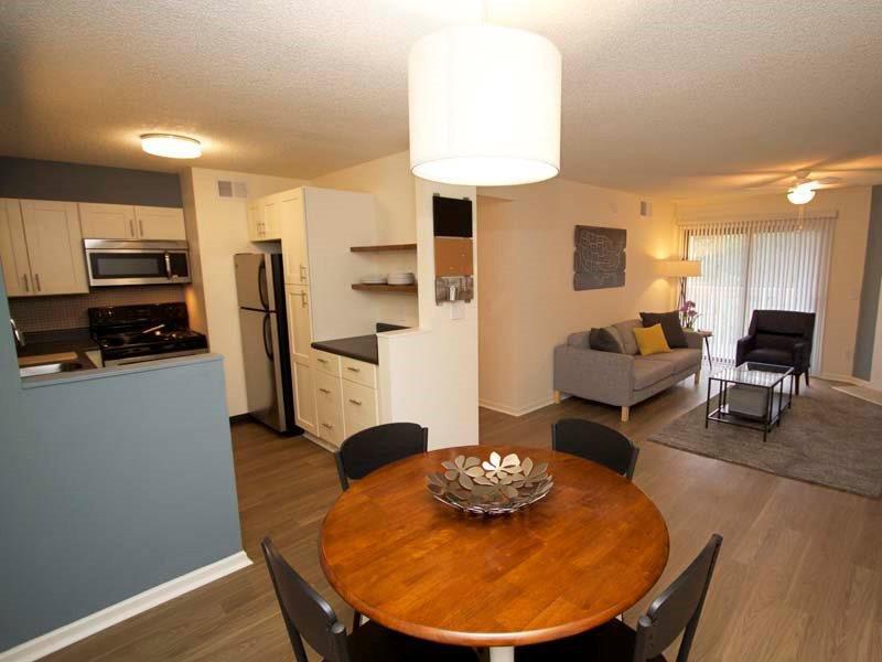 Dining Room - Apartments in Kansas City, MO