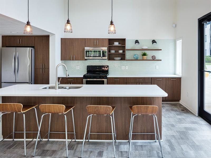 Clubhouse Kitchen - Apartments in Kansas City, MO