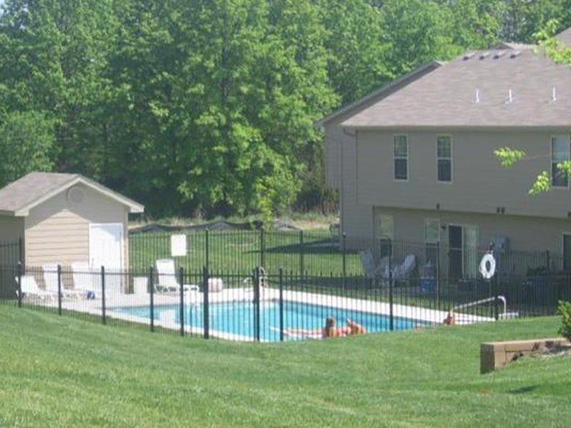 Swimming Pool   Cross Creek Villas
