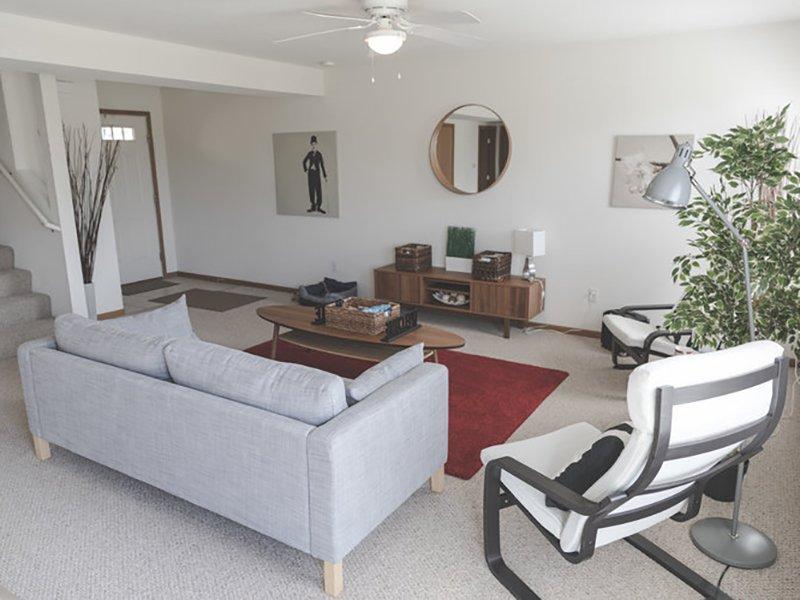 Living Room   Cross Creek Villas