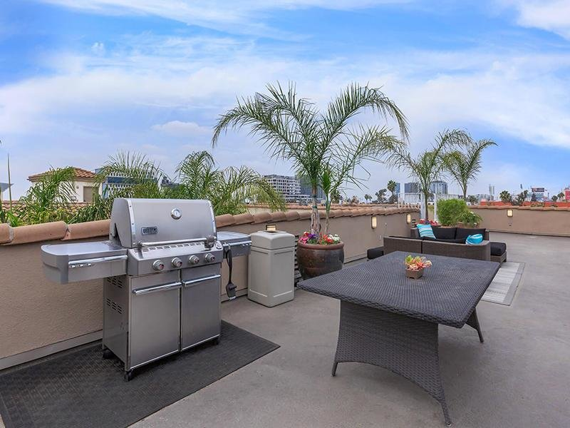 BBQ Area | Hollywood View Towers