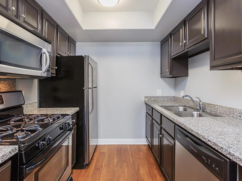 Kitchen | Hollywood View Towers