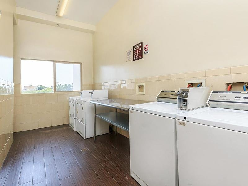 Laundry Facility  | Hollywood View Towers