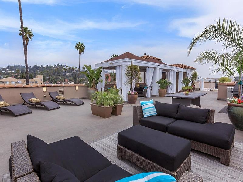 Rooftop Cabana | Hollywood View Towers