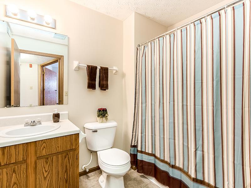 Bathroom | Enclave at Albany Park
