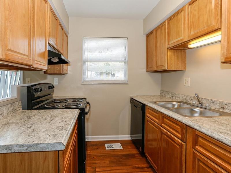 Kitchen | 1100 Apartments