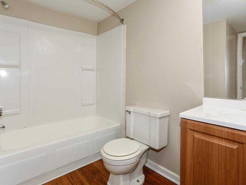 Bathroom | 1100 Apartments