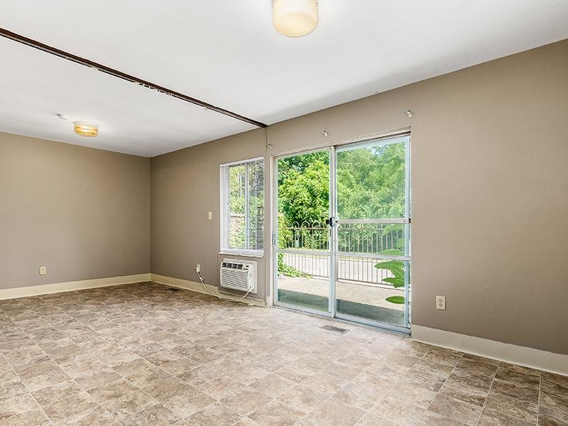 Front Room | Marion Square