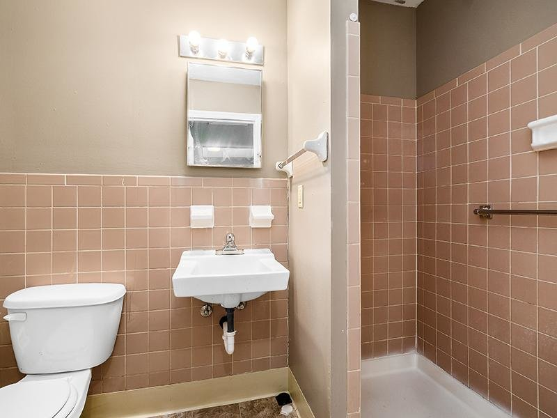 Bathroom | Marion Square