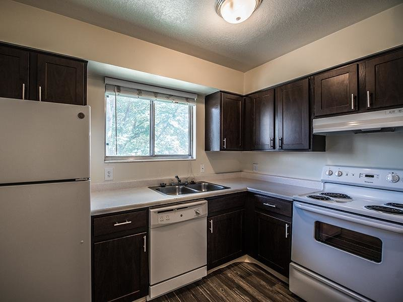 Fully Equipped Kitchen | Mountain Ridge Manor