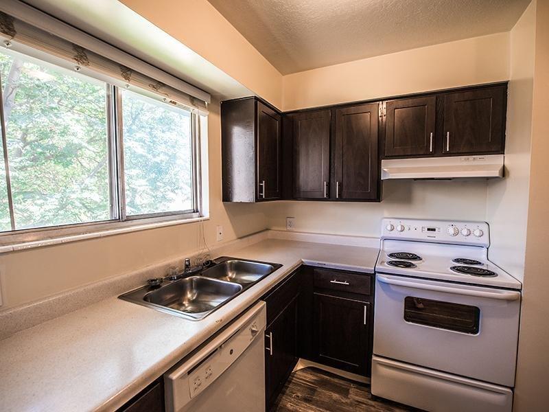 Kitchen | Mountain Ridge Manor Apartments in Ogden, UT